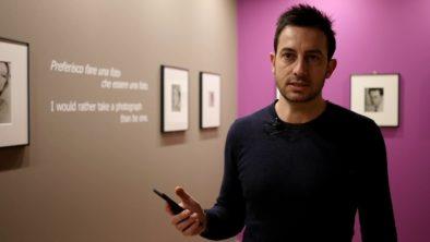 Francesco presenta l'app per la mostra su Lee Miller